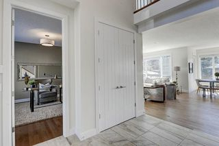 Photo 16: 2711 LIONEL Crescent SW in Calgary: Lakeview Detached for sale : MLS®# C4236282