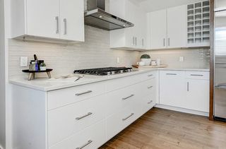 Photo 5: 2711 LIONEL Crescent SW in Calgary: Lakeview Detached for sale : MLS®# C4236282