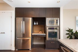 "Photo 10: 2308 1155 THE HIGH Street in Coquitlam: North Coquitlam Condo for sale in ""M1"" : MLS®# R2353744"