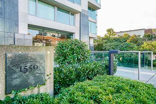 Photo 2: 401 1550 W 15TH Avenue in Vancouver: Fairview VW Condo for sale (Vancouver West)  : MLS®# R2356356