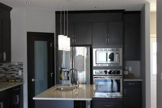 Photo 3: 2131 26 Street in Edmonton: Zone 30 House for sale : MLS®# E4151952