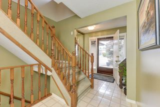 Photo 2: 63 GARIEPY Crescent in Edmonton: Zone 20 House for sale : MLS®# E4153401