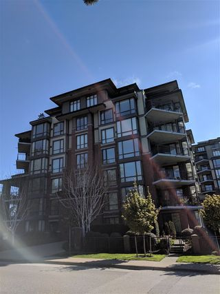 "Photo 1: 601 1580 MARTIN Street: White Rock Condo for sale in ""Sussex House"" (South Surrey White Rock)  : MLS®# R2361568"