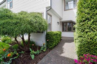 "Main Photo: 34 19160 119 Avenue in Pitt Meadows: Central Meadows Townhouse for sale in ""WINDSOR OAK"" : MLS®# R2363432"