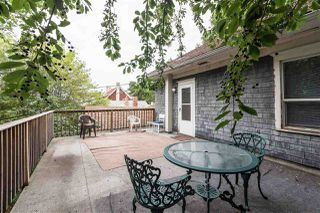 Photo 4: 10821 84 Avenue NW in Edmonton: Zone 15 House for sale : MLS®# E4155221