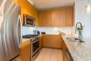 Photo 2: 1105 400 CAPILANO Road in Port Moody: Port Moody Centre Condo for sale : MLS®# R2370642