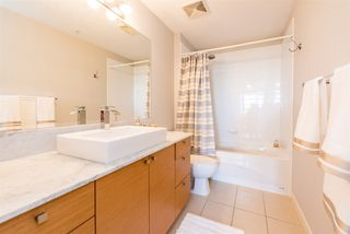 Photo 17: 1105 400 CAPILANO Road in Port Moody: Port Moody Centre Condo for sale : MLS®# R2370642