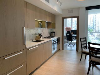 Main Photo: 1022 68 SMITHE Street in Vancouver: Downtown VW Condo for sale (Vancouver West)  : MLS®# R2374142