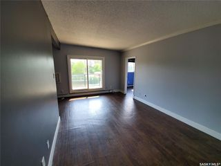 Photo 3: 301 929 Northumberland Avenue in Saskatoon: Massey Place Residential for sale : MLS®# SK774090
