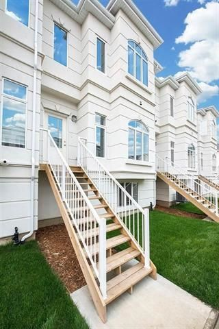 Main Photo:  in Edmonton: Zone 56 Townhouse for sale : MLS®# E4162107