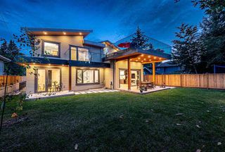 Photo 3: 1034 MONTROYAL Boulevard in North Vancouver: Canyon Heights NV House for sale : MLS®# R2386759