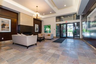 Photo 2: 412 3132 DAYANEE SPRINGS Boulevard in Coquitlam: Westwood Plateau Condo for sale : MLS®# R2400037