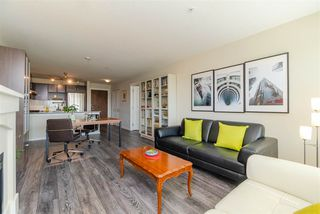 Photo 5: 412 3132 DAYANEE SPRINGS Boulevard in Coquitlam: Westwood Plateau Condo for sale : MLS®# R2400037