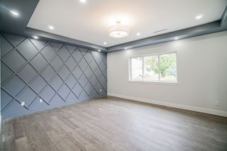 Photo 12: 943 WALLS Avenue in Coquitlam: Coquitlam West House for sale : MLS®# R2447734