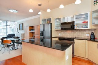 Photo 2: 811 845 Yates St in : Vi Downtown Condo Apartment for sale (Victoria)  : MLS®# 851667