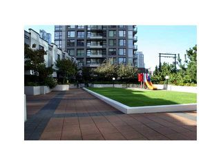 "Photo 19: 318 1295 RICHARDS Street in Vancouver: Yaletown Condo for sale in ""The Oscar"" (Vancouver West)  : MLS®# R2528753"