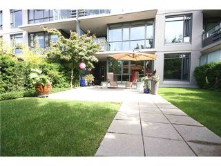 "Photo 1: 102 750 W 12TH Avenue in Vancouver: Fairview VW Townhouse for sale in ""TAPESTRY"" (Vancouver West)  : MLS®# V898284"