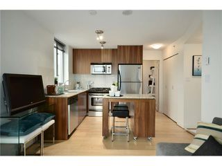 "Photo 3: 1101 1030 W BROADWAY in Vancouver: Fairview VW Condo for sale in ""LA COLOMBA"" (Vancouver West)  : MLS®# V911282"