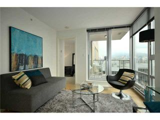 "Photo 1: 1101 1030 W BROADWAY in Vancouver: Fairview VW Condo for sale in ""LA COLOMBA"" (Vancouver West)  : MLS®# V911282"