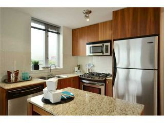 "Photo 4: 1101 1030 W BROADWAY in Vancouver: Fairview VW Condo for sale in ""LA COLOMBA"" (Vancouver West)  : MLS®# V911282"