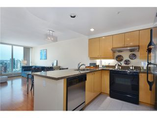 Photo 2: 3007 1008 CAMBIE Street in Vancouver: Yaletown Condo for sale (Vancouver West)  : MLS®# V999838