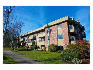 Main Photo: 109 2211 W 5TH Avenue in Vancouver: Kitsilano Condo for sale (Vancouver West)  : MLS®# V1090915