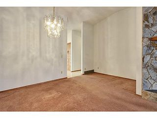 Photo 5: 111 LINCOLN Manor SW in Calgary: Lincoln Park Residential Attached for sale : MLS®# C3645998