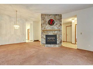 Photo 4: 111 LINCOLN Manor SW in Calgary: Lincoln Park Residential Attached for sale : MLS®# C3645998