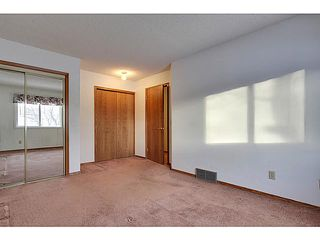 Photo 9: 111 LINCOLN Manor SW in Calgary: Lincoln Park Residential Attached for sale : MLS®# C3645998