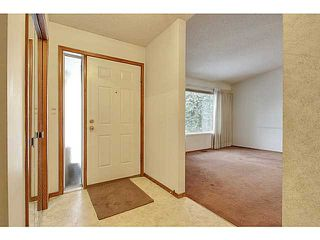Photo 2: 111 LINCOLN Manor SW in Calgary: Lincoln Park Residential Attached for sale : MLS®# C3645998