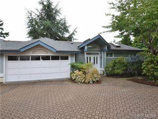 Photo 1: 5 5187 Cordova Bay Rd in VICTORIA: SE Cordova Bay Row/Townhouse for sale (Saanich East)  : MLS®# 703610