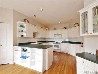 Photo 6: 5 5187 Cordova Bay Rd in VICTORIA: SE Cordova Bay Row/Townhouse for sale (Saanich East)  : MLS®# 703610