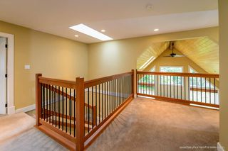 """Photo 10: 1719 VISTA Crescent in Squamish: Hospital Hill House for sale in """"Hospital Hill"""" : MLS®# R2000268"""