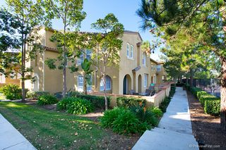 Photo 3: TORREY HIGHLANDS Townhome for sale : 2 bedrooms : 7720 Via Rossi #5 in San Diego