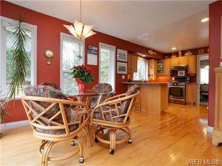 Photo 6: 773 Haliburton Rd in VICTORIA: SE Cordova Bay House for sale (Saanich East)  : MLS®# 718798