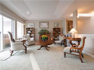 Photo 2: 773 Haliburton Rd in VICTORIA: SE Cordova Bay House for sale (Saanich East)  : MLS®# 718798