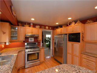 Photo 5: 773 Haliburton Rd in VICTORIA: SE Cordova Bay House for sale (Saanich East)  : MLS®# 718798