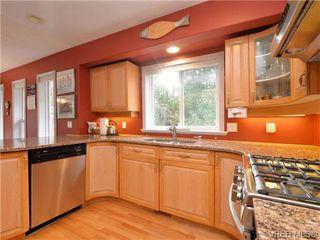 Photo 4: 773 Haliburton Rd in VICTORIA: SE Cordova Bay House for sale (Saanich East)  : MLS®# 718798