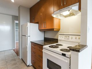 "Photo 4: 1805 1725 PENDRELL Street in Vancouver: West End VW Condo for sale in ""STRATFORD PLACE"" (Vancouver West)  : MLS®# R2030894"