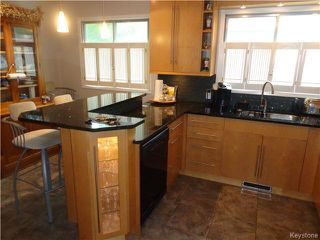Photo 3: 10 Longfellow Bay in Winnipeg: Westwood / Crestview Residential for sale (West Winnipeg)  : MLS®# 1614113