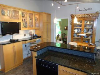 Photo 2: 10 Longfellow Bay in Winnipeg: Westwood / Crestview Residential for sale (West Winnipeg)  : MLS®# 1614113