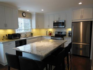 """Photo 3: 1727 PIERARD Road in North Vancouver: Lynn Valley House for sale in """"Lynn Valley"""" : MLS®# R2080226"""