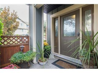 Photo 2: 130 2920 Phipps Rd in VICTORIA: La Langford Proper Row/Townhouse for sale (Langford)  : MLS®# 741389