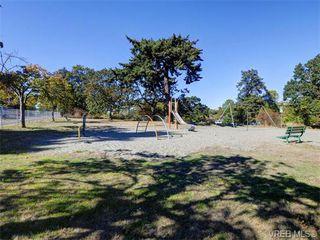 Photo 18: 349/51 Kipling St in VICTORIA: Vi Fairfield West Full Duplex for sale (Victoria)  : MLS®# 744993