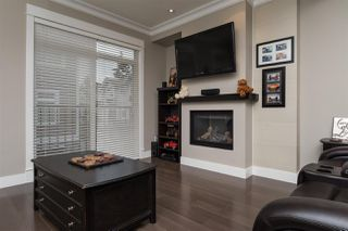 """Photo 10: 29 2689 PARKWAY Drive in Surrey: King George Corridor Townhouse for sale in """"Allure"""" (South Surrey White Rock)  : MLS®# R2121592"""