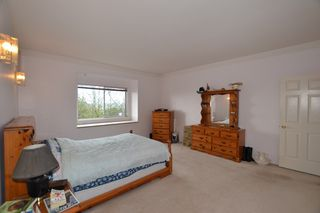 """Photo 13: 3909 WATERTON Crescent in Abbotsford: Abbotsford East House for sale in """"Sandy Hill"""" : MLS®# R2156983"""