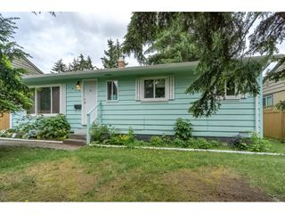 Photo 1: 7126 134 Street in Surrey: West Newton House for sale : MLS®# R2173410