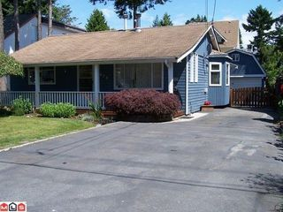 Photo 1: 1416 129A Street in South Surrey White Rock: Home for sale : MLS®# F1118488