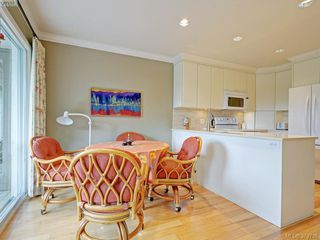 Photo 6: 9 735 MOSS Street in VICTORIA: Vi Rockland Townhouse for sale (Victoria)  : MLS®# 379738