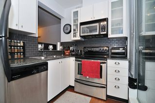 Photo 9: 202 1238 BURRARD Street in Altadena: Condo for sale : MLS®# V983075
